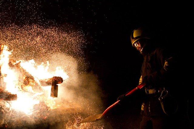 fire-660684_640
